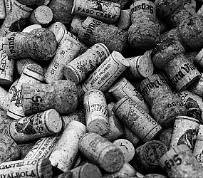 Black & White Wine